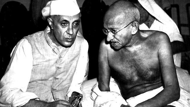 425536-jawaharlal-nehru-and-mahatma-gandhi