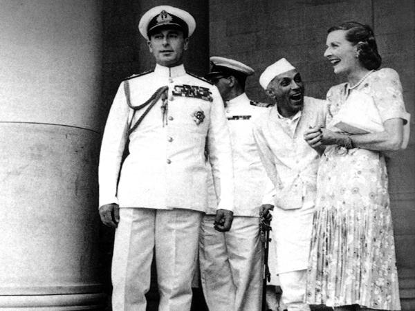 Nehru-with-Edwina